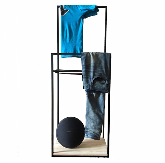 Прикроватная вешалка для одежды